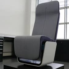 100 Seat By Design Lighter More Comfortable Airline S Built With Formula One Materials