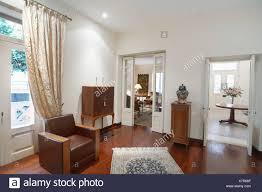 zypern wohnzimmer haus im kolonialstil stockfotografie