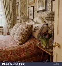 ein detail einer traditionellen schlafzimmer mit william