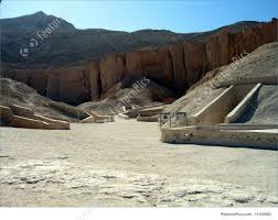 100 In The Valley Of The Kings Picture