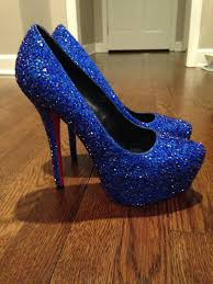 This is How a Redditor Made Her Sister Expensive $6000 Prom Shoes