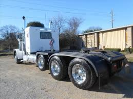 USED 2009 PETERBILT 389 FLAT TOP TRI-AXLE SLEEPER FOR SALE IN MS #6493