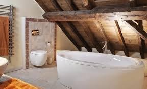 salle de bain dans chambre sous comble bain et chambre sous