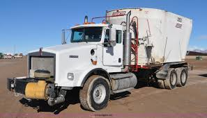 100 Feed Truck 2006 Kenworth T800 Feed Truck Item G7116 SOLD February