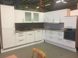 gebrauchte l form küche in weiß inkl geräte zu verkaufen