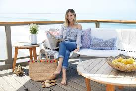 Cupcakes And Cashmere Blogger Blouse Jeans Jewels Bag Straw Summer Outfits Beach Slide Shoes