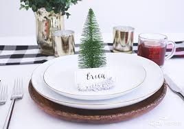 A Simple And Chic Rustic Holiday Table Setting