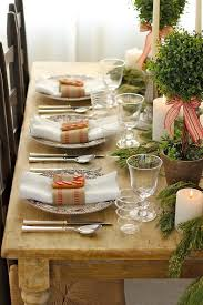 LOVE This Christmas Tablescape The Place Settings Centerpiece Rustic Table Create A Truly Warm Inviting Atmosphere For Dinner With Family Friends