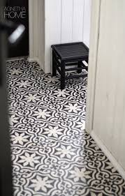 Tile Flooring Ideas For Bedrooms by Best 25 Black And White Tiles Ideas On Pinterest Black And