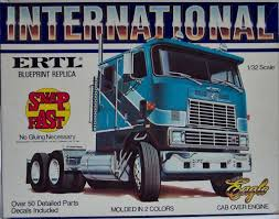100 Model Semi Truck Kits Ertl International Eagle Snap Box Art Kit Boxes BIG RIGS