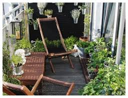If You Have A Roofed Balcony Wooden Deck Is Best It Looks Natural And Classy The Smell Of Wood Adds An Extra Touch In