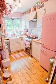 3 Cute Kitchen
