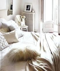 chambre blanc beige taupe chambre blanc beige pour ambiance cocooning deco chambre blanc et