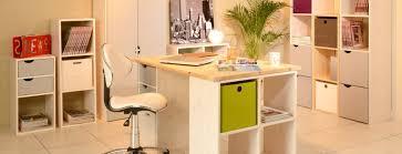 bureau pratique et design bureau avec rangement étagères et bibliothèques en pin meubles