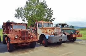 Old Mack Trucks - YouTube