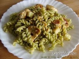 pates au blanc de poulet salade de pâtes au poulet et au pesto une faim
