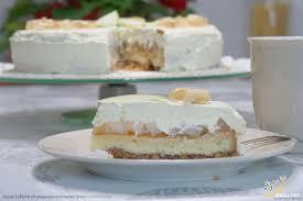 sekttorte rezept sahnige torte mit sekt eingelegten und frischen birnen