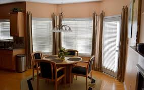 Decorate A Dining Room Bay Window
