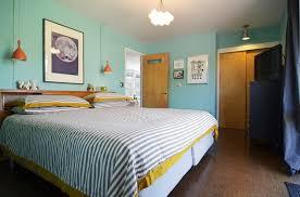 18 Vivid and Chic Mid Century Bedroom Design Ideas Rilane