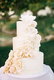 Three Tier Wedding Cakes with Flowers I Pinimg 600x 0d 82 Bd