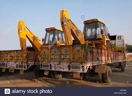 100 Movers Truck Earth In In Morning Light Maharashtra India Stock
