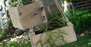 DIY Small Hanging Planter From Pallet Wood