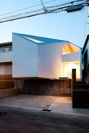 100 Atelier Tekuto Designs A Colorful Home In Nagoya