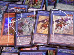 Five Headed Dragon Deck Profile by November 2015 Toomanycardgames