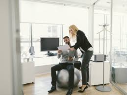 Yoga Ball Desk Chair Benefits by Can You Lose Weight By Sitting On A Stability Ball Men U0027s Fitness