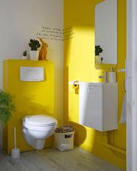 quelle couleur pour des toilettes peinture toilette jaune pour déco wc au top