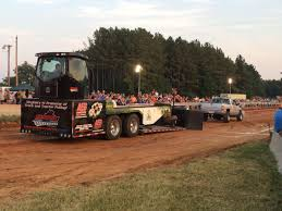 100 Truck And Tractor Pulls A Roar Of Success For Tractor Pull Fundrasier County Life Yourgvcom