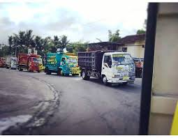 100 Truck Mania 1 Truckmania_jogja TRUCK MANIA JOGJA Mohon Maaf Jika Konvoi