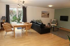 unser 40qm wohnzimmer mit küche essbereich sowie