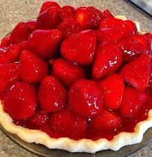 In three to four hours it s time to cut into this beautiful pie Make sure you have a very sharp knife to slice through those whole berries