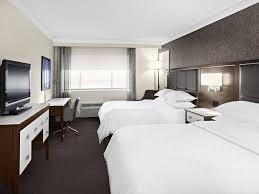 hotel et dans la chambre hôtel sheraton laval hôtels laval hébergement québecoriginal
