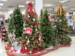 Real Christmas Trees Kmart by Susan U0027s Disney Family Decorating Your Home For The Holidays With
