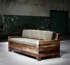 canapé fabriqué en le fauteuil en palette est le favori incontesté pour la saison