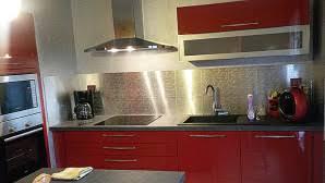 crédence cuisine à coller sur carrelage metaldecor com stickers décors plaques et panneaux