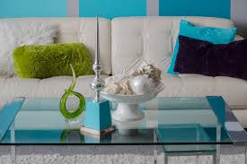 Play Detective And Uncover Unique Palettes By Playing With Colorful Accessories In Your Living Room Here The Homeowner Went A Vibrant Sea Blue
