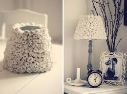 After Rolling Up Mini Paper Roses She Hot Glued Them To A Lampshade The Result Is Pure Romance Rose