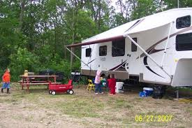RV Sites All Have Lake View Picnic Tables Firepits For The Family To Enjoy