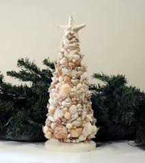 Seashell Christmas Tree Garland by 252 Best Beach Christmas Images On Pinterest Beach Themes