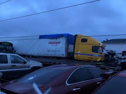 100 Penske Semi Truck Rental Tractortrailer Involved In I40 Crash That Killed 2 TDOT