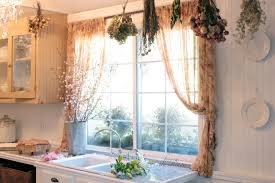 French Country Cottage Decorating Ideas by Decorating With Dried Flowers French Country Cottage