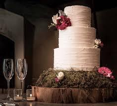 20 Pretty Wedding Cakes With Flowers