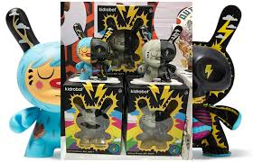 Kidrobot Is Pre Releasing Their MR WATT Designer Con 2017 This Weekend Nov 11 12 And We See A Grey Tone Edition In Addition To The Color Dunny