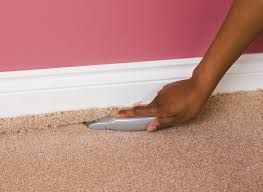 How Does A Carpet Stretcher Work by How To Carpet A Room Help U0026 Ideas Diy At B U0026q