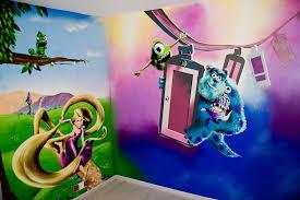 decoration chambre raiponce décoration graffiti disney