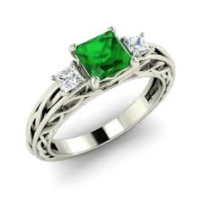 Princess Cut Emerald Engagement Ring in 14k White Gold with VS