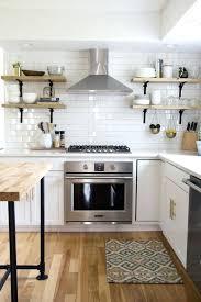 carrelage cuisine mural carrelage cuisine mural la cuisine blanche et bois en 102 photos